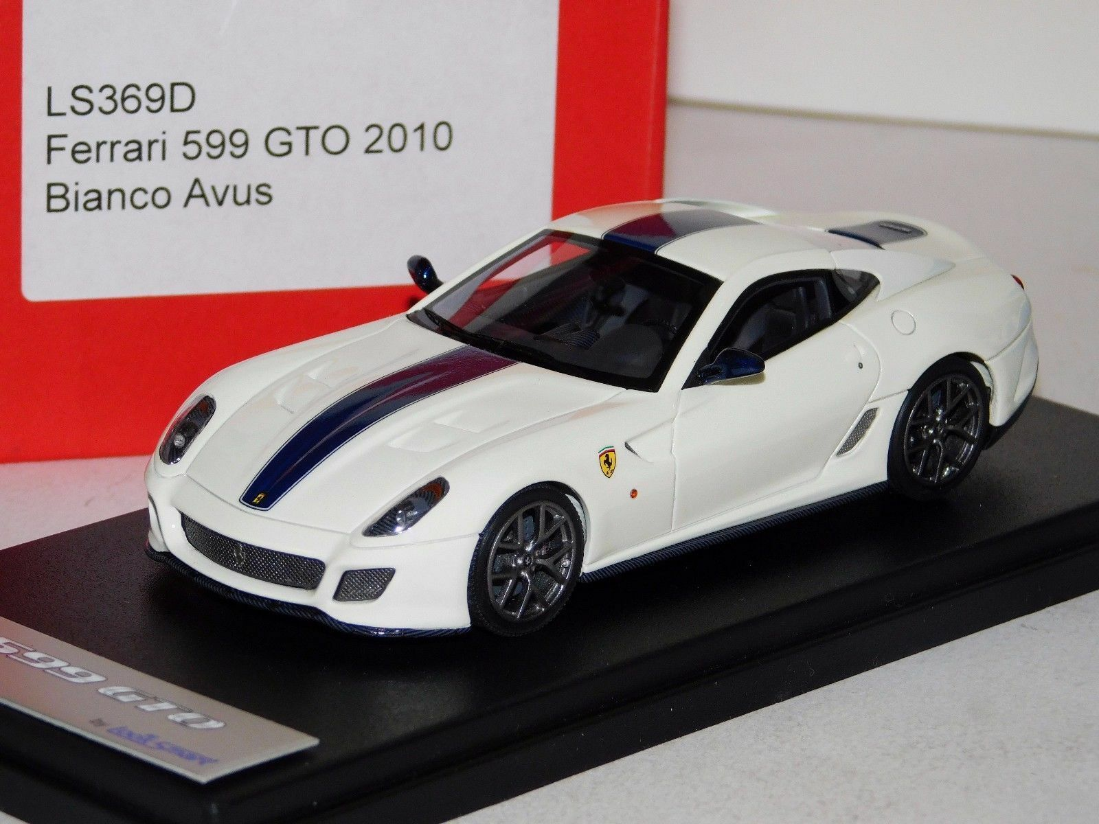 Ferrari 599 Gto 2101 Bianco Avus biancao LookSmart LS369D 1 43