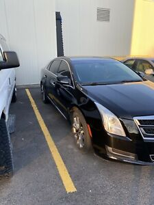 Cadillac XTS mint condition