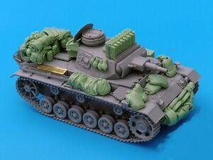 1-35-Resin-WWII-German-Tank-III-Stowage-Set-Unpainted-QJ086
