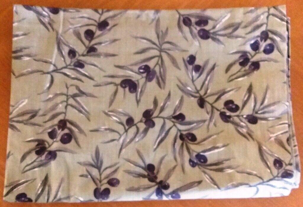 WILLIAMS-SONOMA 70  X 90  nappe avec 4 serviettes Vert Avec Olive branches