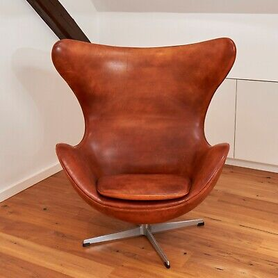 Find Arne Jacobsen Ægget i Arkitekttegnet: møbler og