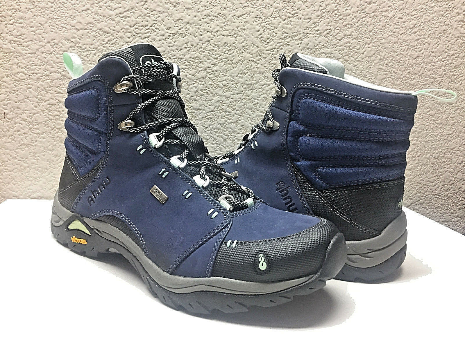 AHNU Donna MONTARA WP MIDNIGHT BLU HIKING SHOE US 6 / EU 37 / NIB
