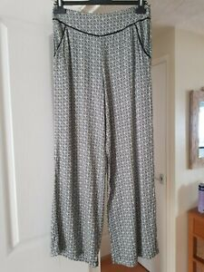 Fab-Dorothy-Perkins-Black-amp-White-Summer-Trousers-Short-Length-Size-10-VGC
