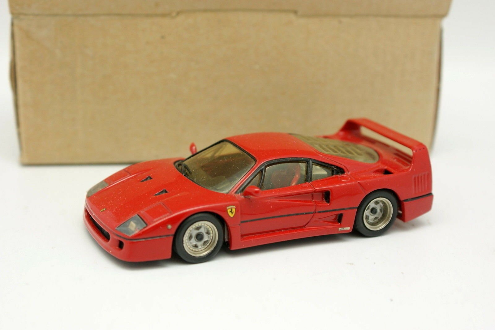 AMR 1 43 - Ferrari F40 rot