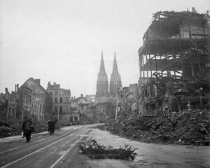Ww2 1945 koln cologne germany german cathedral devastation for Koln ww2