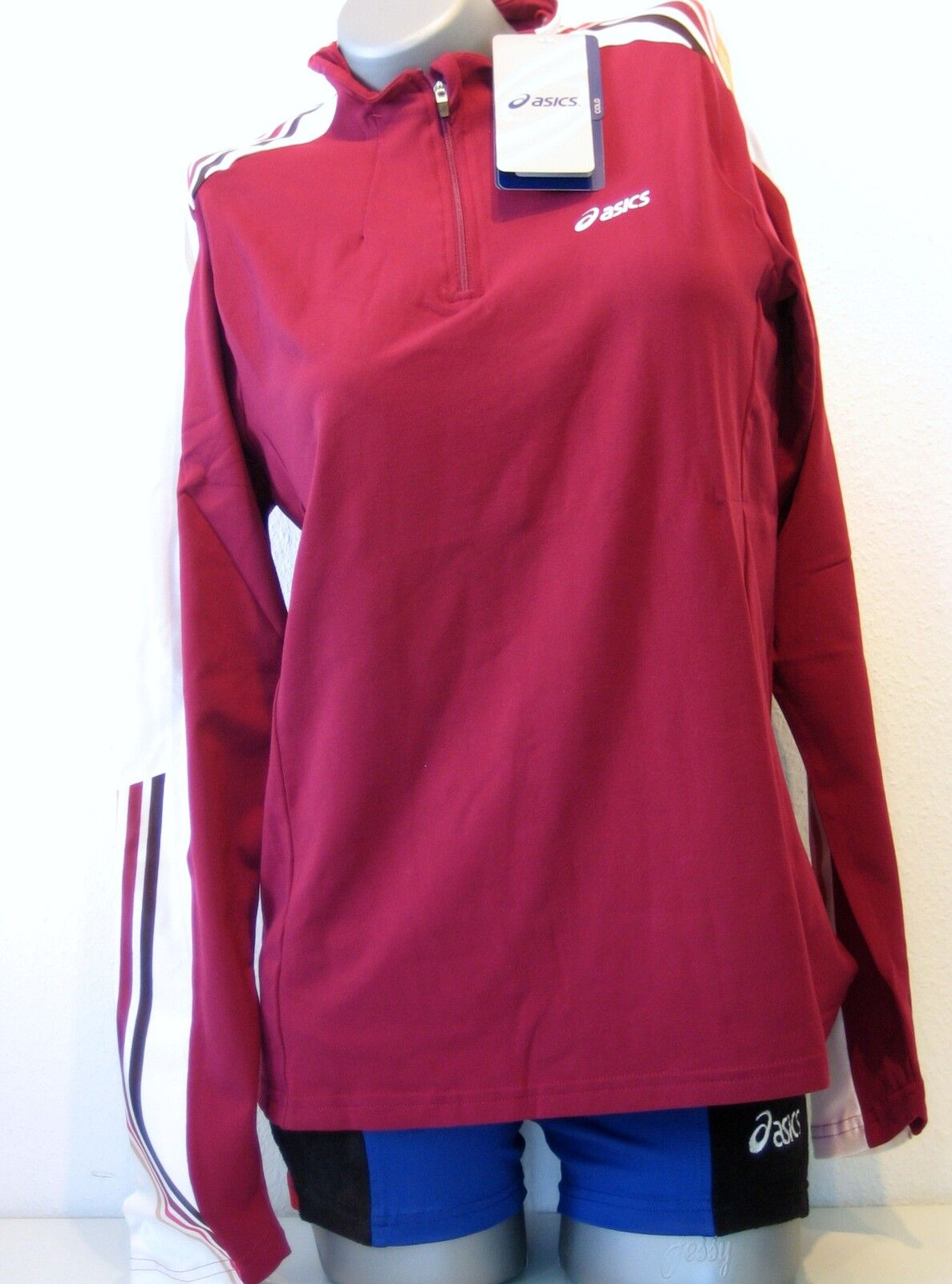 ASICS Women's Long Sleeve Shirt Size XS (32 34) Red NEW Agoldra 1 2 Zip Running
