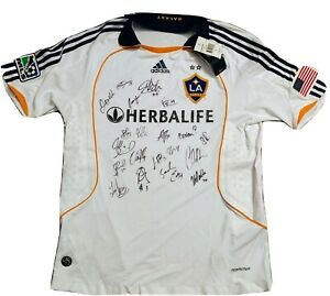 LA-Galaxy-Team-signed-NWT-Adidas-jersey-w-DAVID-BECKHAM-19-Ready-to-frame