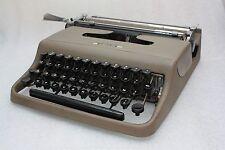 macchina da scrivere olivetti lettera 22 prima serie