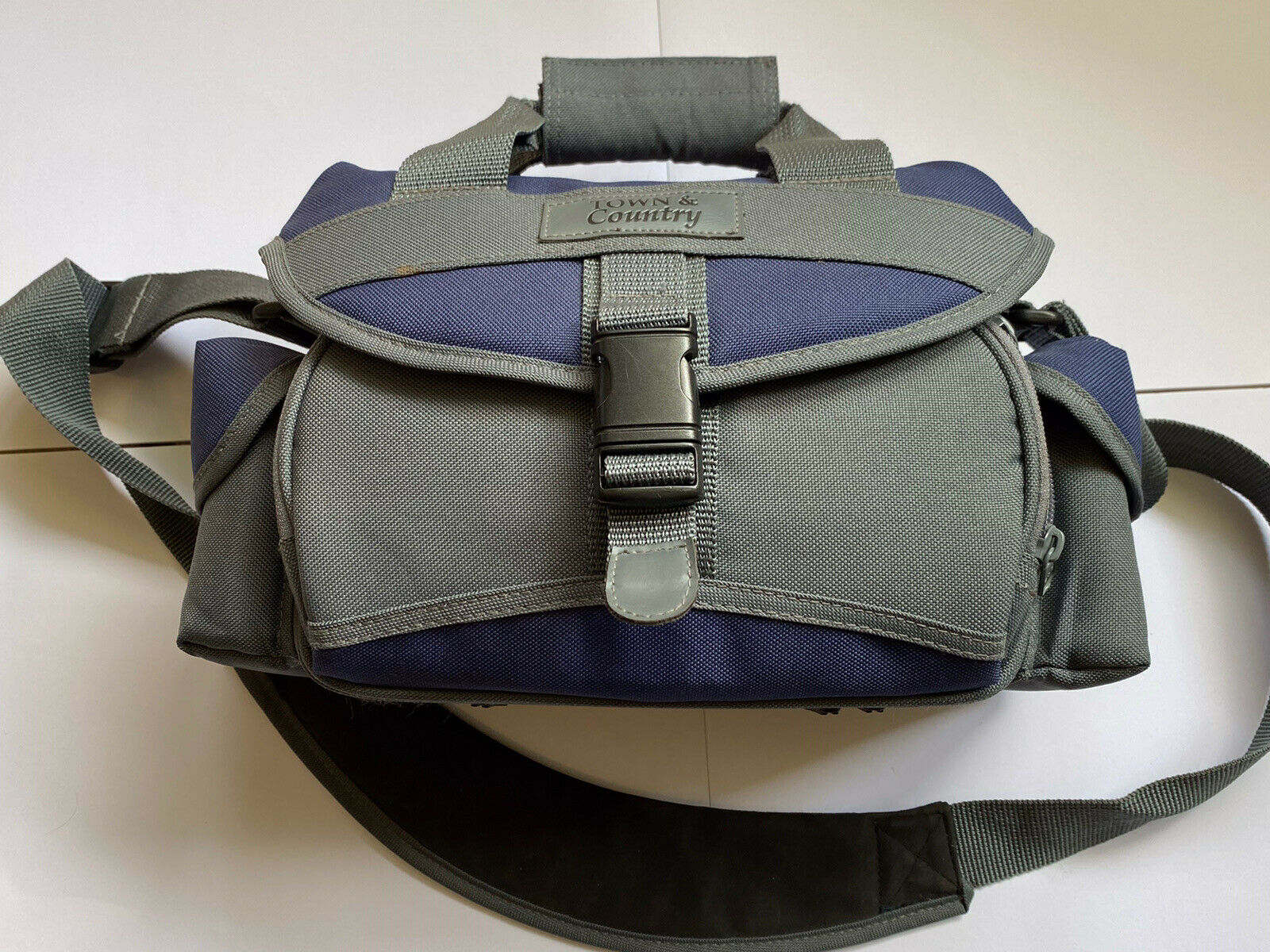 Town And Country shoulder Camera bag ideal for Canon Nikon, Sony Etc