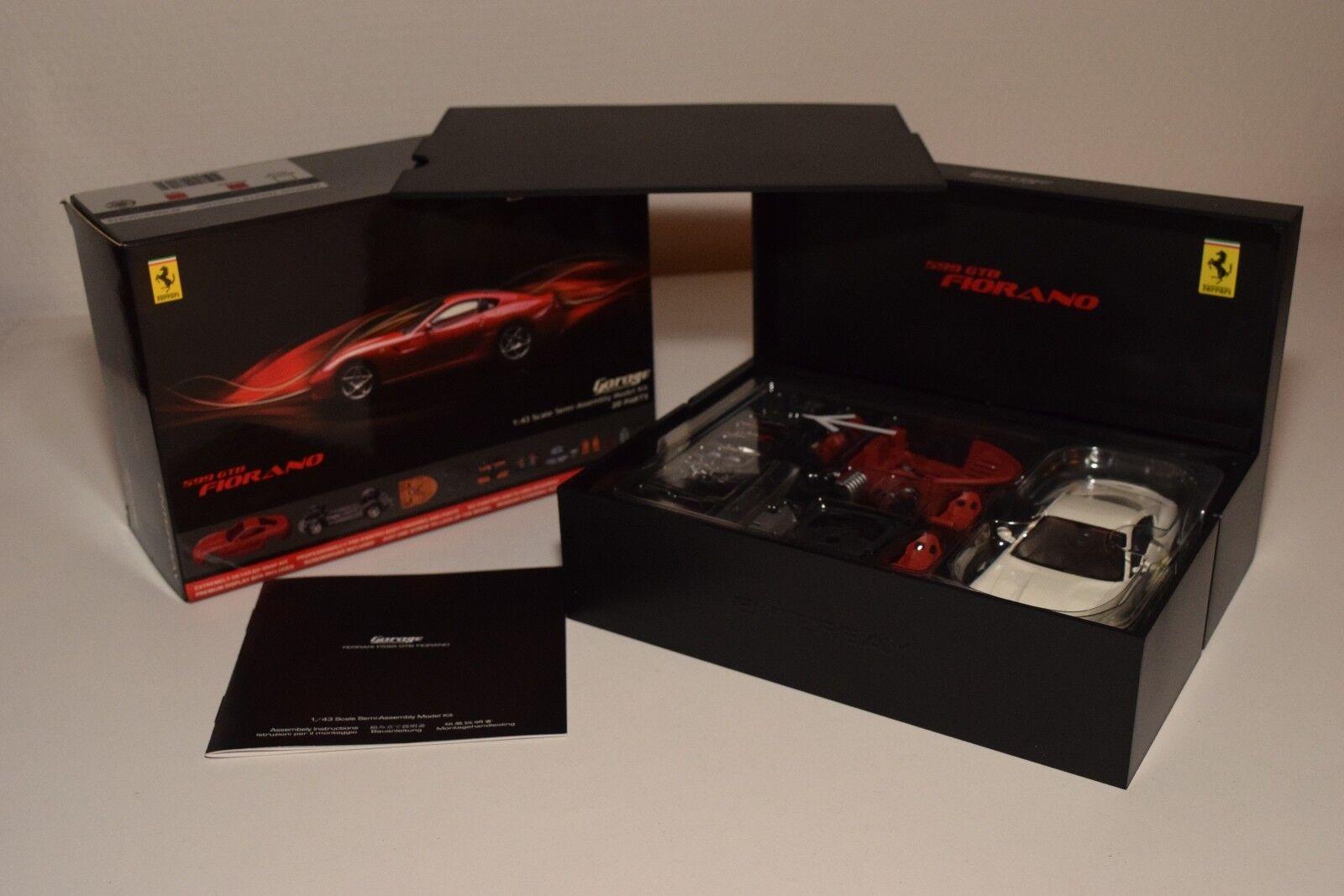 V 1 43  ENTERBAY GARAGE FERRARI 599 GTB 599GTB FIORANO blanc KIT MINT BOXED RARE  économiser jusqu'à 50%