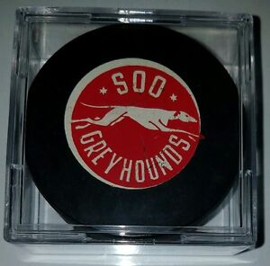 VINTAGE-SOO-GREYHOUNDS-HOCKEY-GAME-PUCK-RARE-MADE-IN-CANADA-GRETZKY-Probert