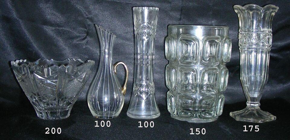 Glas, vaser og div
