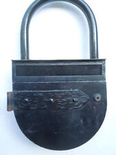 Boite aux lettres métal forme cadenas enseigne publicitaire vers 1950
