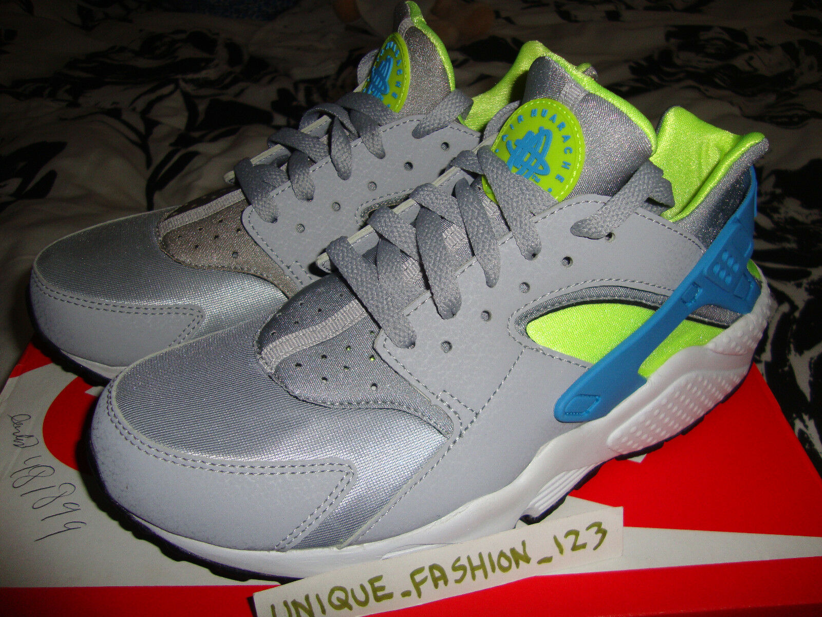 NIKE AIR HUARACHE LE WOLF WOLF WOLF GREY VOLT US 7.5 UK 6.5 40.5 TRIPLE BLACK Weiß QS OG ab3540