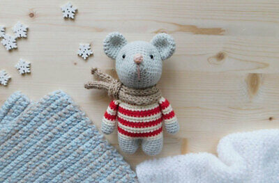 Free Knitted Toy Animal Patterns | Pocket Mouse Amigurumi ... | 263x400