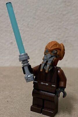 Lego Star Wars Minifigure Jedi Master Plo Koon w// Lightsaber 75045!
