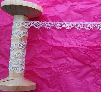 13mm White Flower Lace with Scallop Edge Trim - Metre
