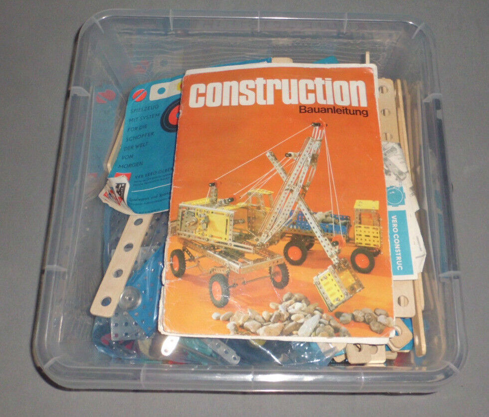 Construction Metallbaukasten Set aus DDR Zeiten, 4 kg Teile, Hefte etc.