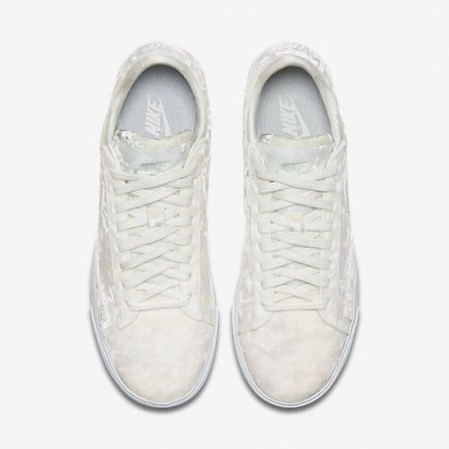 Nike Nike Nike WOMEN'S Blazer Low LX Sail Summit White VELVET SIZE 6 BRAND NEW cc10d7