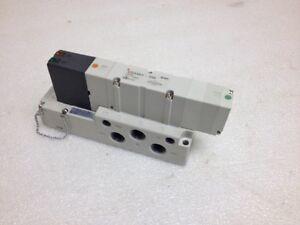 Nuevo Válvula de Solenoide SMC VQ4401R-5W