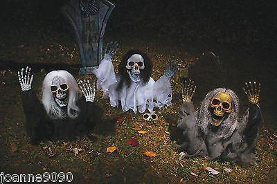 Halloween Grave Ground Breaker Evil Skull Skeleton Zombie Garden Prop Decoration