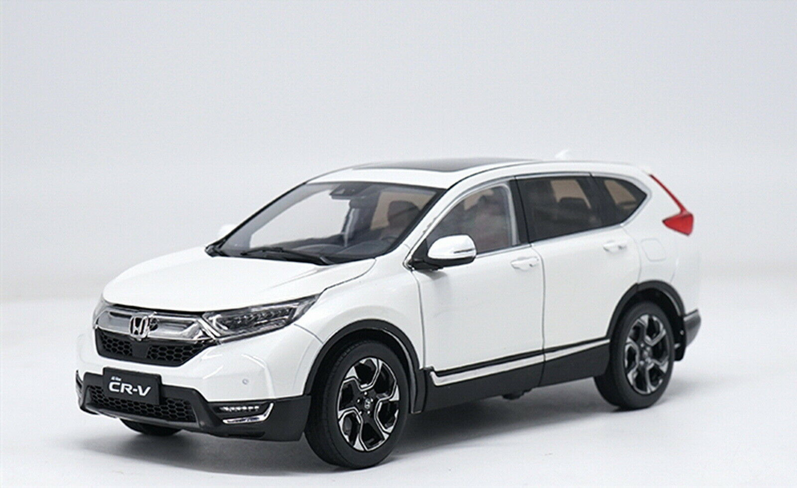1  18 skala Honda CR -V CRV 2017 SUV vit tärningskast modelllllerler bil leksak samling