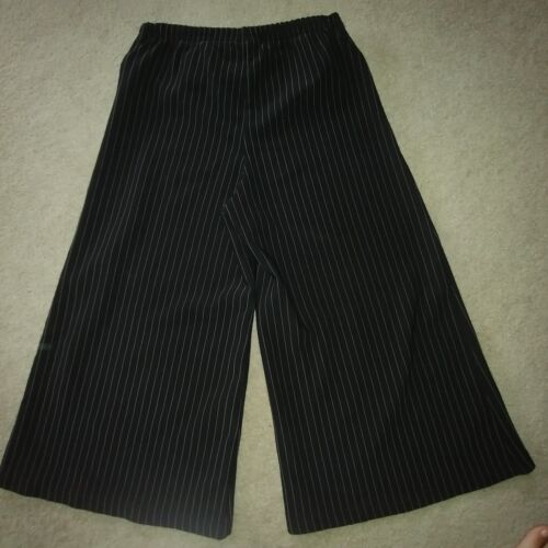CUTE WOMEN'S ZOEY BETH BLACK WHITE PINSTRIPE GAUCH