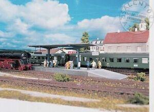 PIKO-61821-banchina-per-stazione-ferroviaria-in-scala-1-87