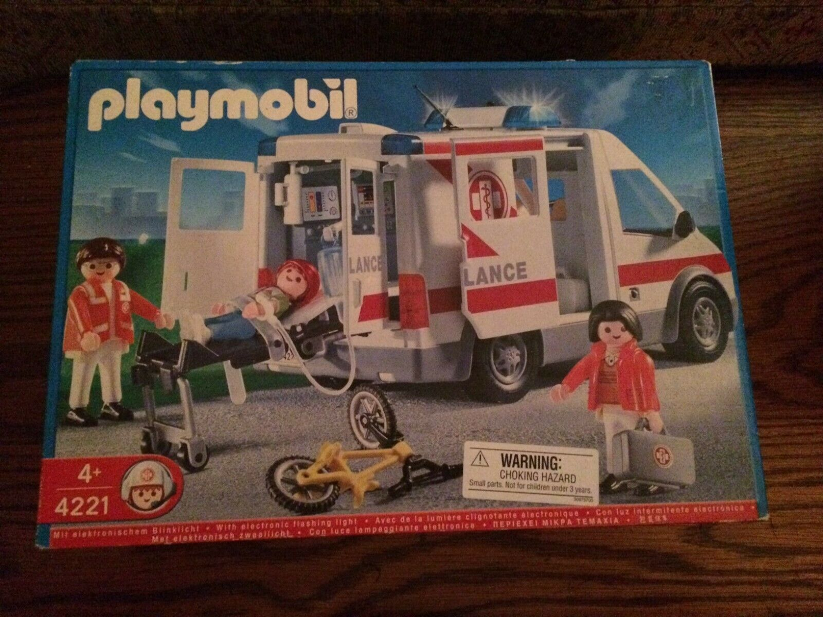 PLAYMOBIL 4221 Ambulance from the Fire  Rescue Series New in Box