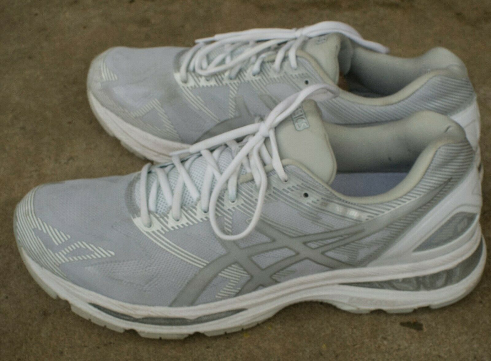 Asics Gel Nimbus 19 tamaño nos 15 M Para hombres Zapatos para Correr gris blancoo T700N