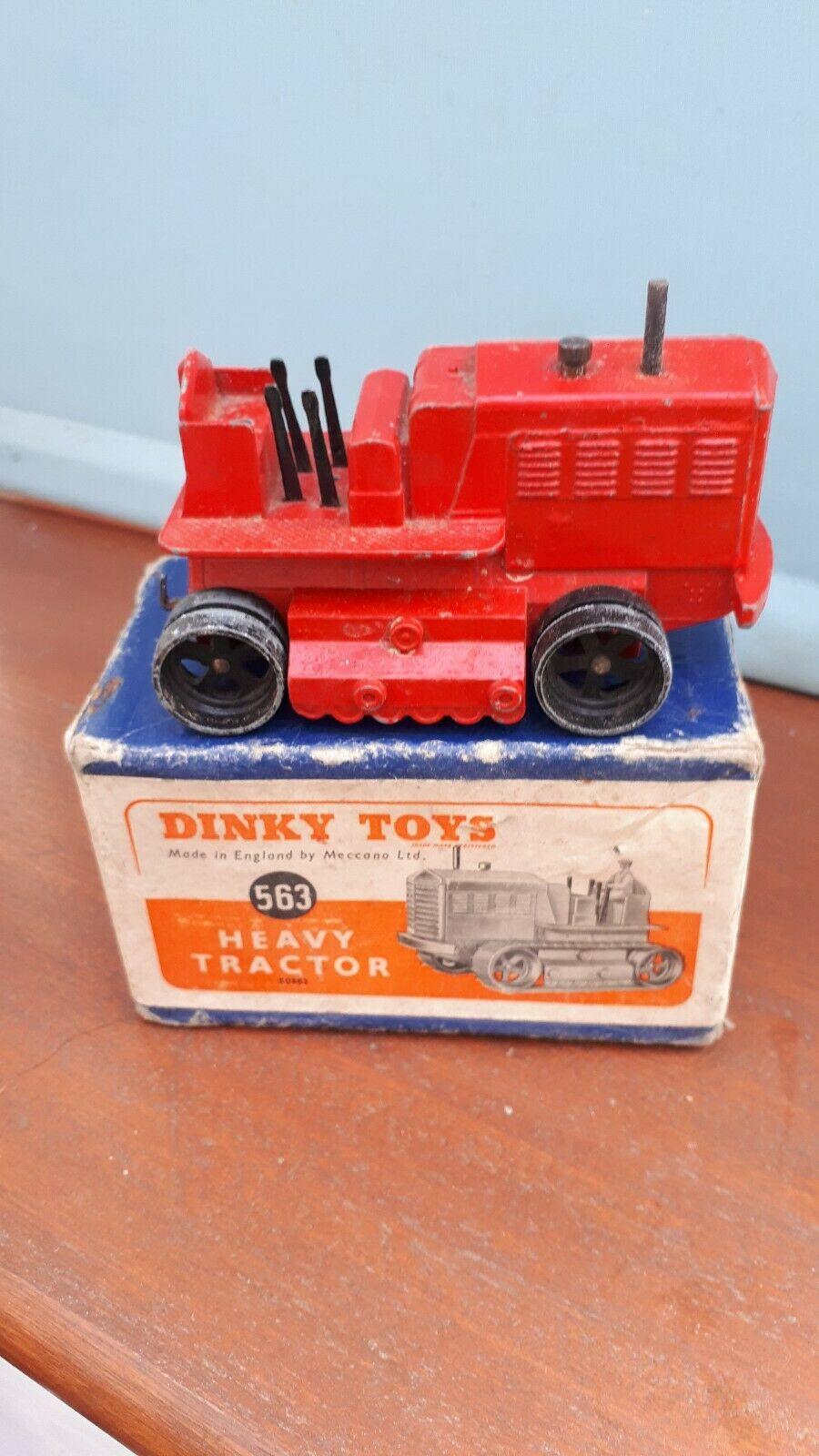 Dinky toys 563 Heavy Tractor In Original Box