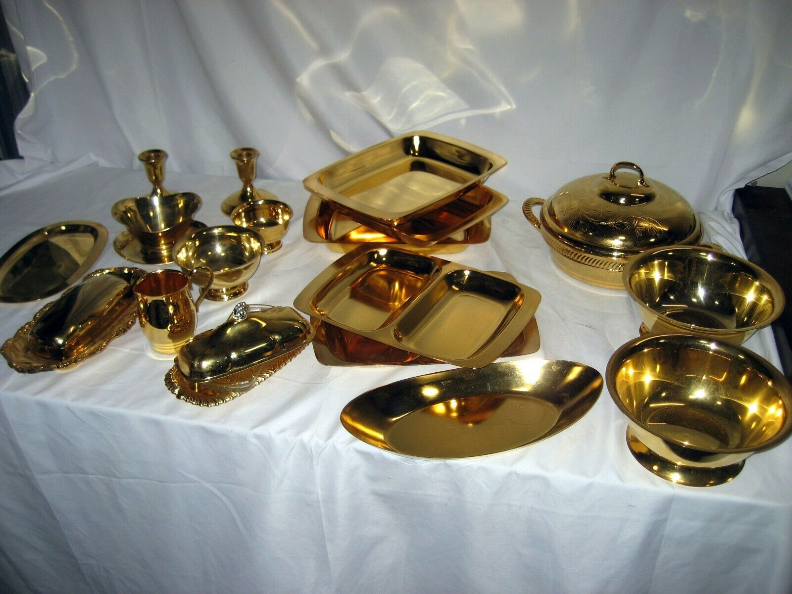 20 piece gold Tone set by Lifetime - SEE ALL PIECE SUMMARY BELOW w warranty