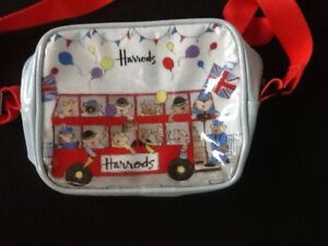 HARRODS NEW CHILDS PARTY BUS BAG 7 X 5.5 INCHES. NEW WITHOUT TAGS.