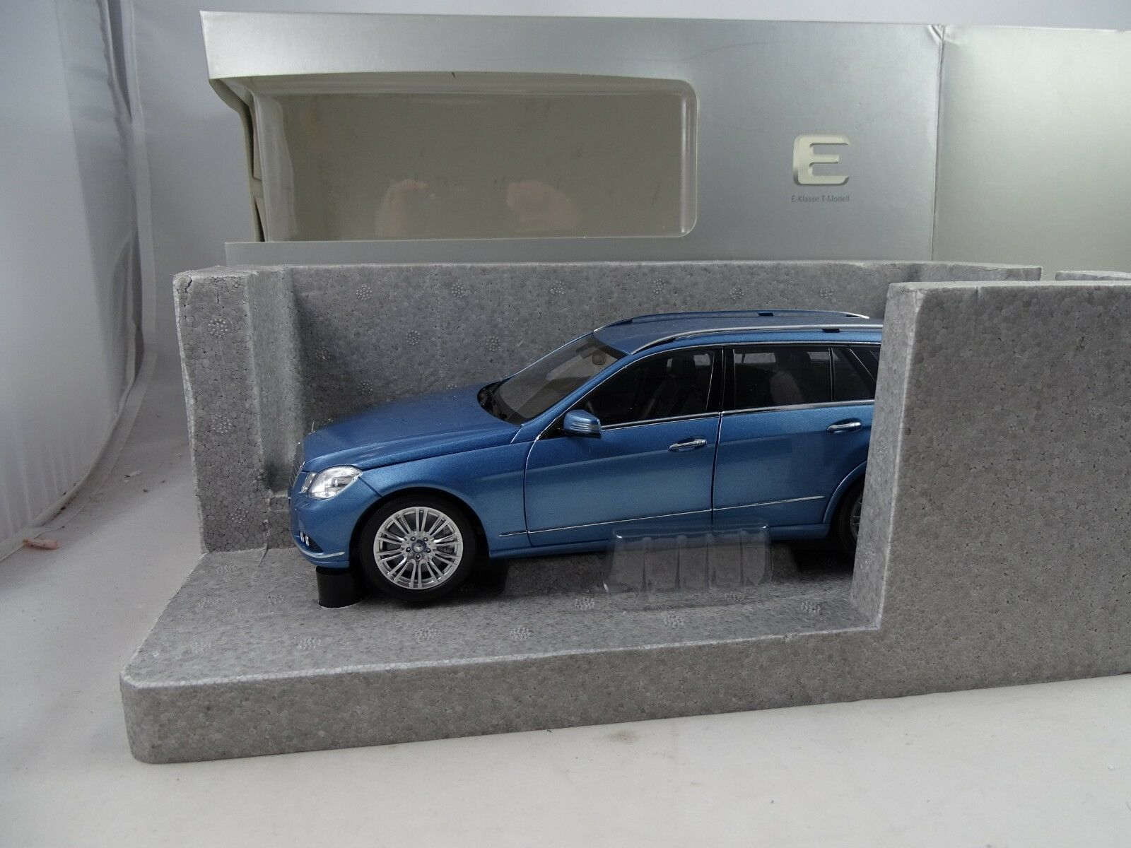 oferta de tienda 1 18 18 18 museo modelo  b66962449 mercedes-benz T-modelo plata azul-rareza §  tienda en linea