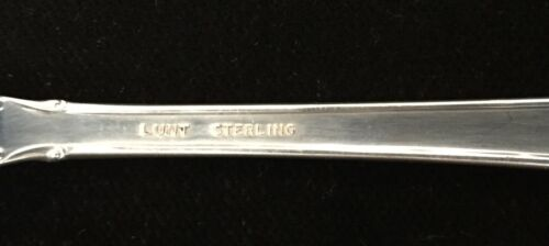 "Lunt Modern Victorian Cream Soup Spoon /""R/"" Monogram Sterling Silver Flatware"