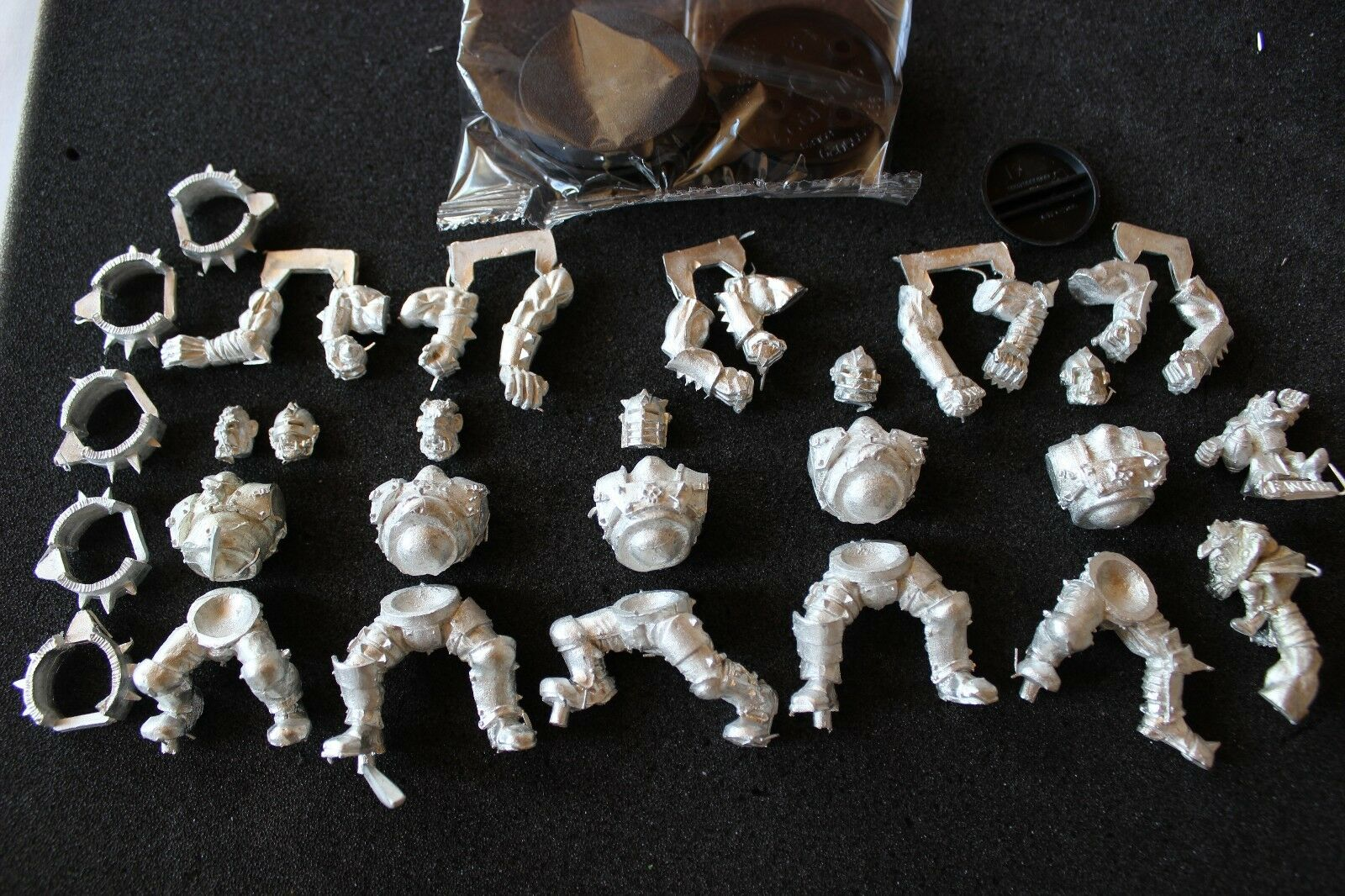 Games Workshop Blood Bowl Ogres Team Metal Figures Ogre Bloodbowl New BNIB