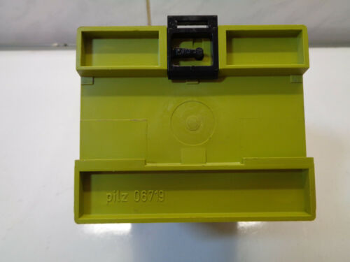 PILZ PNOZ-8 SAFETY RELAY 474760  4.5W LOTER1287