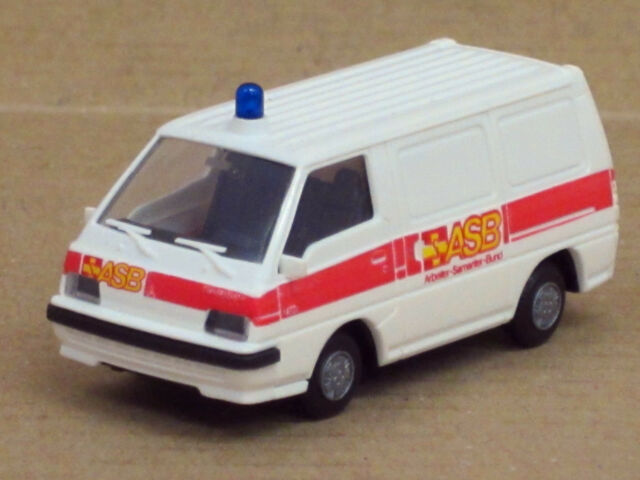 Mitsubishi L 300 '87 Transporter weiß /roter Streifen