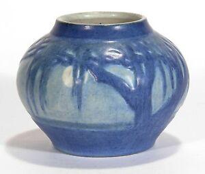 Newcomb-College-Pottery-Moon-amp-Moss-Oak-Landscape-vase-Arts-amp-Craft-matte-blue