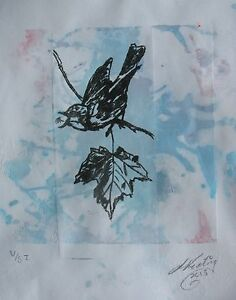 LYNN-KEATING-AUSTRALIAN-ETCHING-034-SINGING-BIRD-034-HAND-PAINTED-BLUE-BACKGROUND-2013