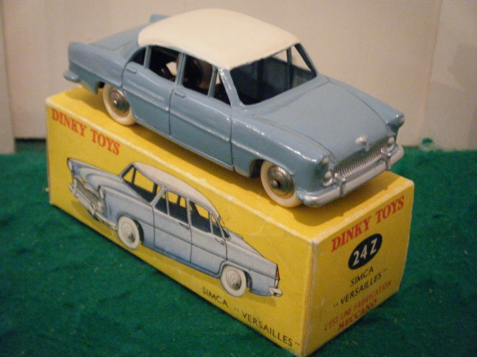 French Dinky No  24Z  Simca Versailles  - Light bluee White (Original 1950's)
