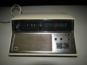 a2695711cca59 Vintage Panasonic RC-7148 AM FM Alarm Clock Radio Back to the Future ...