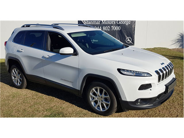 White Jeep Cherokee 2.4 Longitude FWD with 26000km available now!
