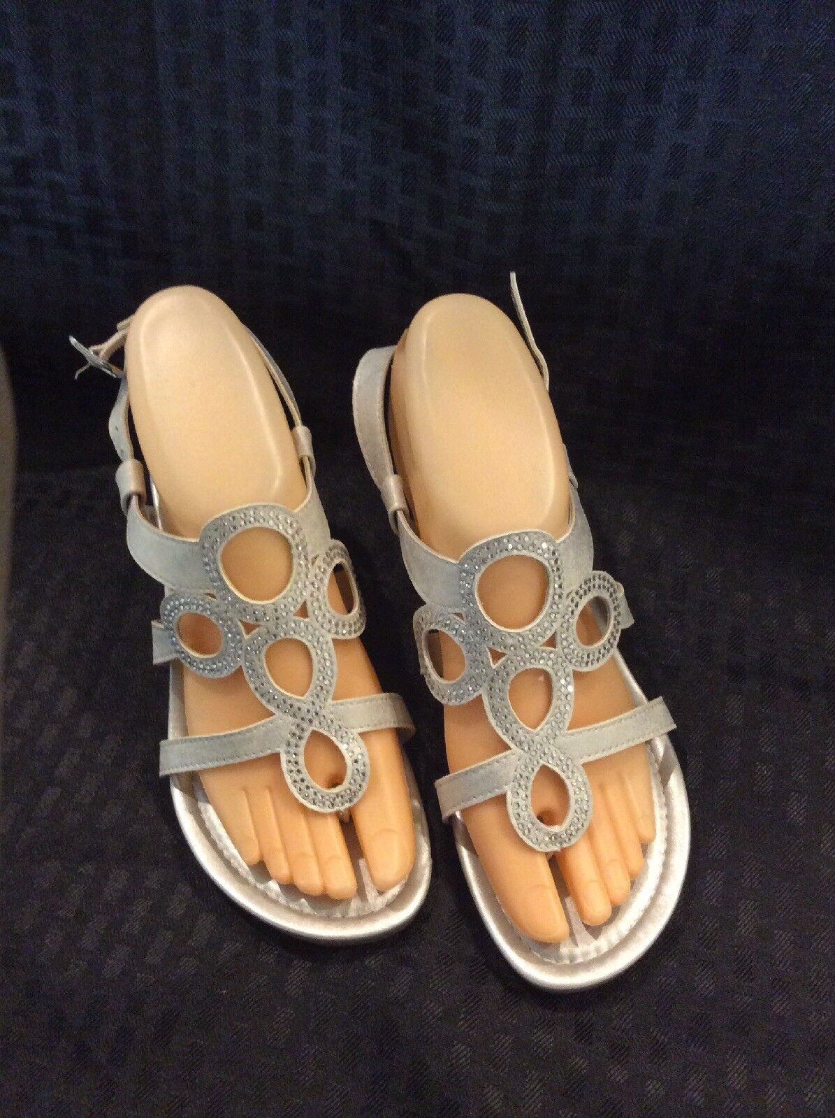 EUC Sandals PESARO Womens Slingback Heeled Sandals EUC  Size 6M  Color Silver **Must See** af66b4