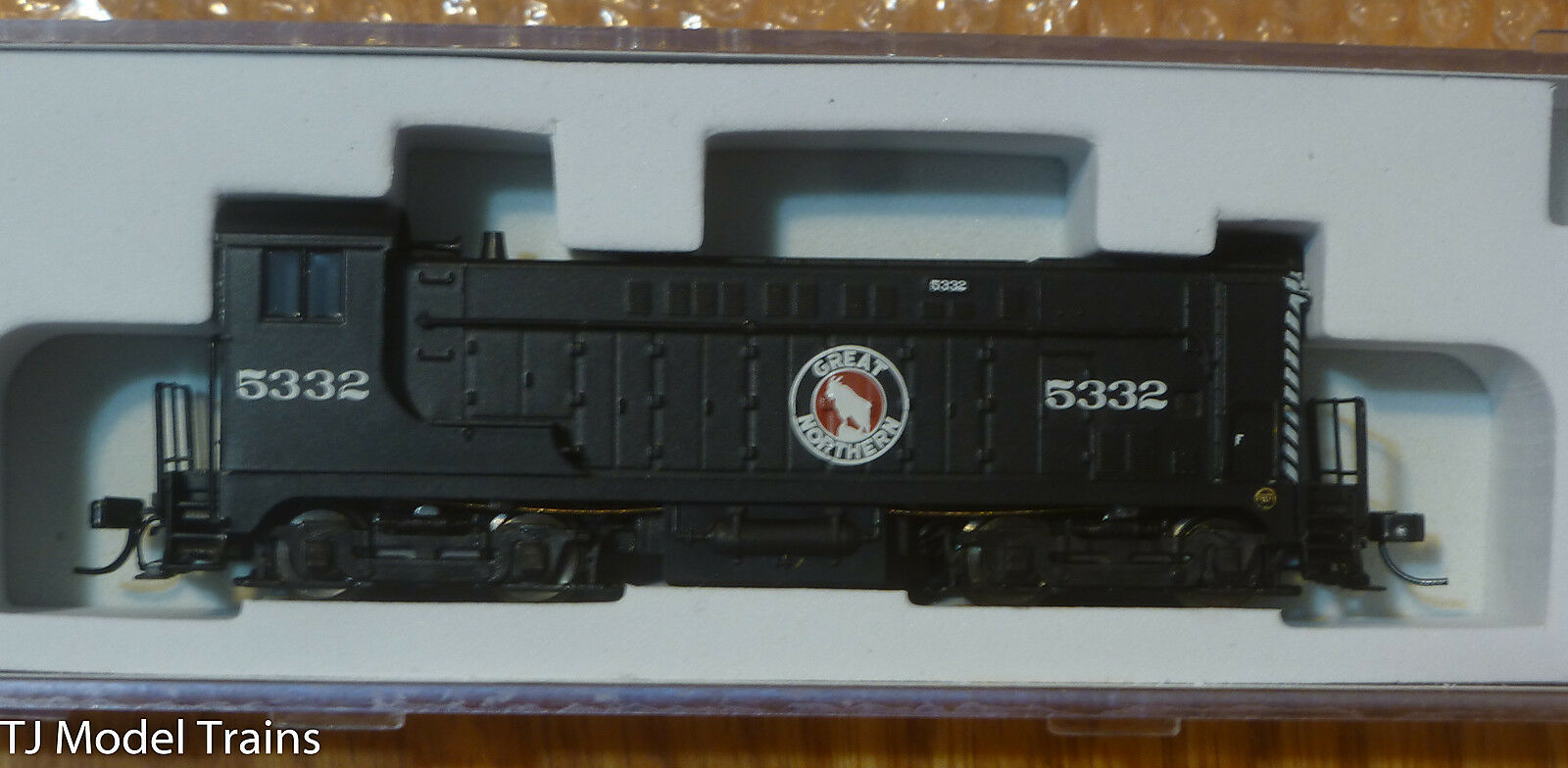 Atlas N  40002579 Great Northern VO-1000 Locomotive  Rd  5332  Standard DC