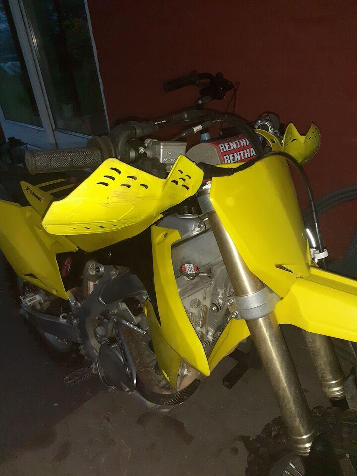 Suzuki, 450 ccm, 2013