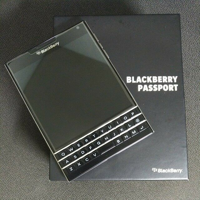 BlackBerry Passport Passport - 32GB - SQW100-1 Black (Unlocked) Smartphone