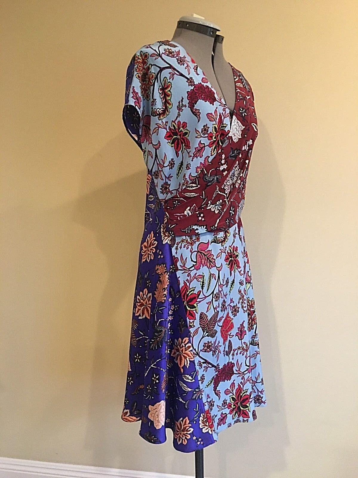NWT Diane von Furstenberg Floral Wrap Wrap Wrap Front Dress in bluee Multi Size 6 4b04f1
