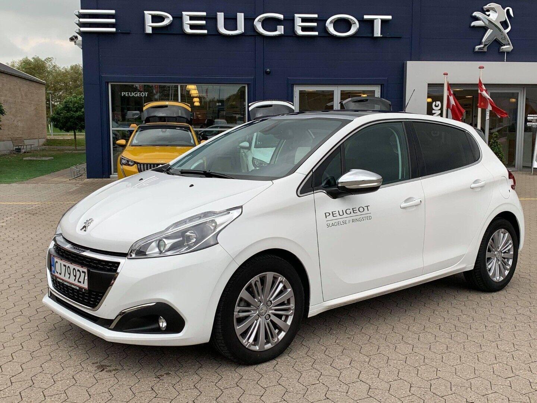 Peugeot 208 1,2 PT 82 Selection Sky 5d - 139.900 kr.