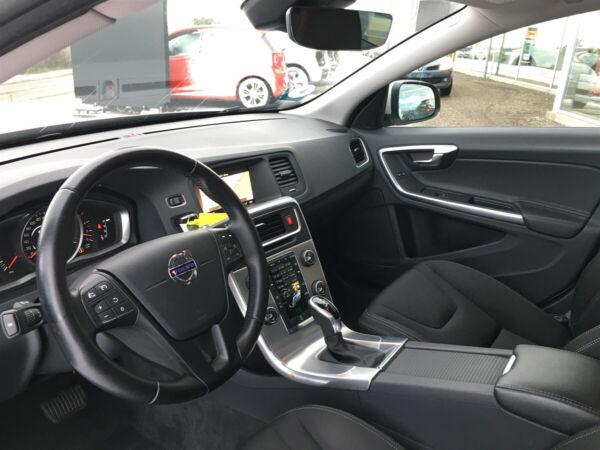 Volvo V60 2,0 D3 150 Kinetic aut. billede 11